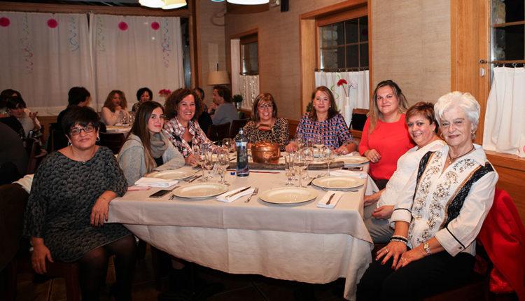 Sopar de dones a Santa Coloma