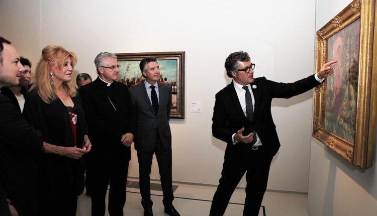 Guillermo Cervera presentant quadres Museu Thyssen