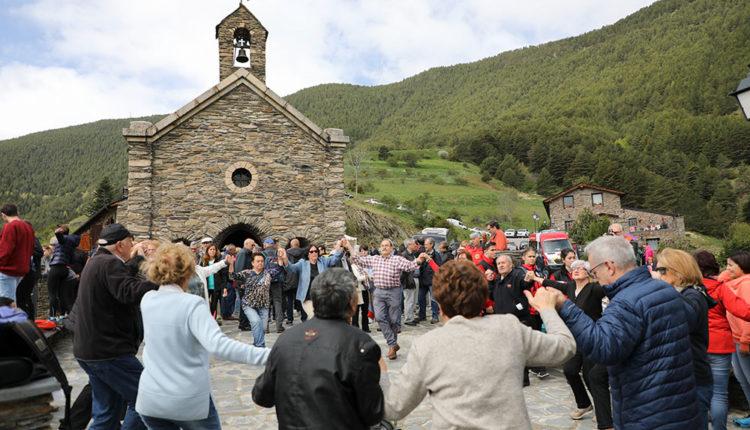 Ball de sardana al Santuari de Canòlich