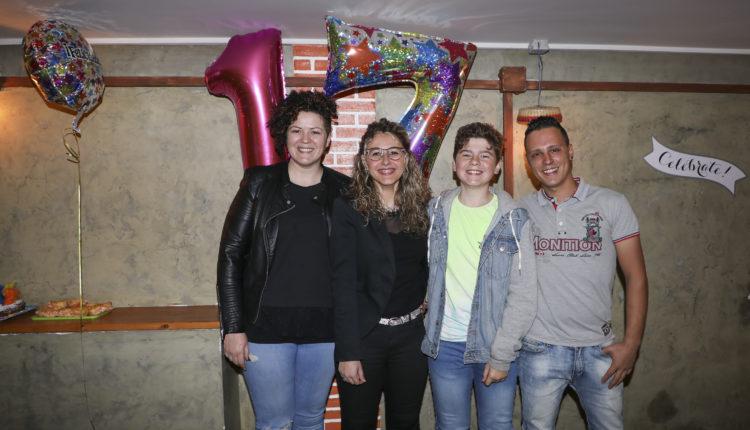 Ana Sofia Rocha da Costa amb amics i familiars