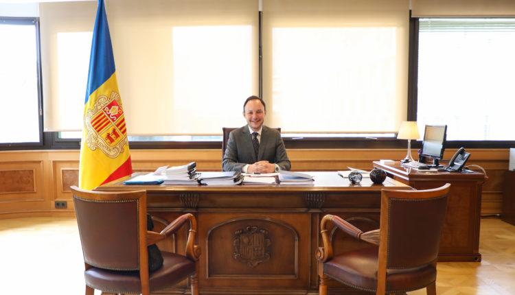 Xavier Espot, cap de Govern d'Andorra, al seu despatx