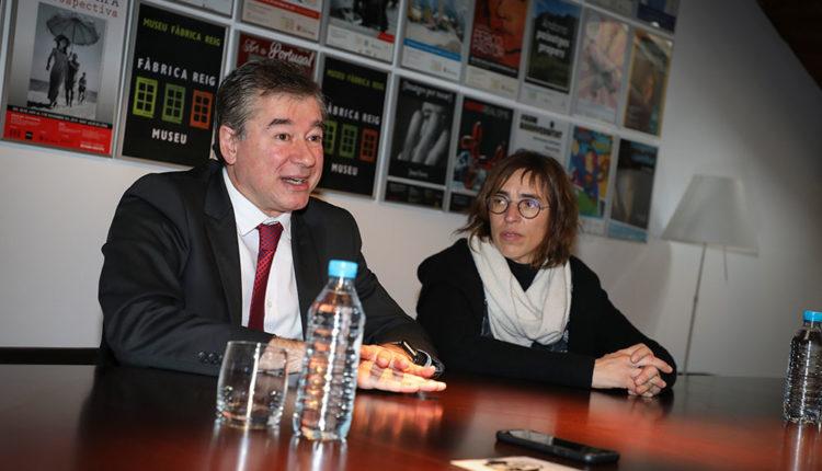 Joan Manel Abril presentant el seu assaig al Museu Fàbrica Reig