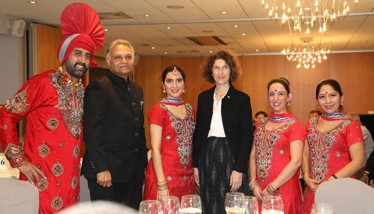 Ambaixador de l'Índia i Maria Ubach