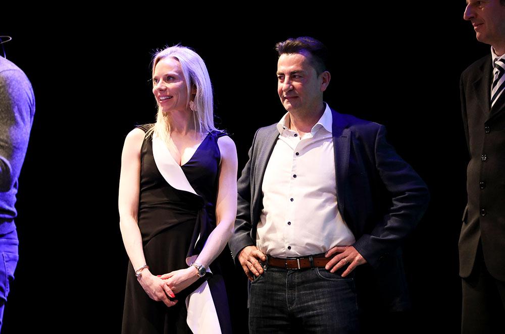 Olivier i Ada Amengual durant la conferència de Mike Horn