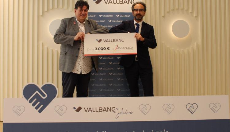 Vall Banc entrega el xec a ASSANDCA