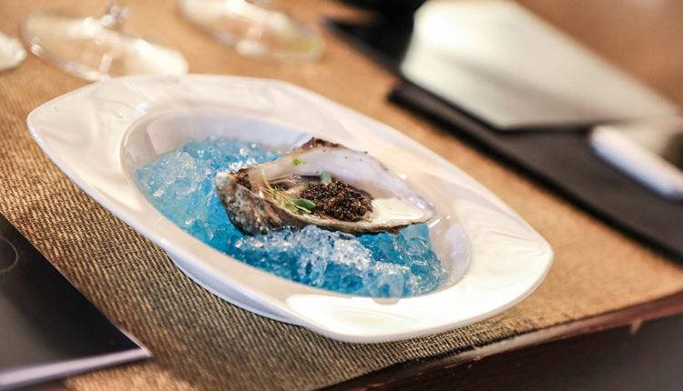 Plat de caviar amb ostres al Buda Gastro