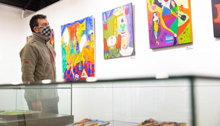 Miquel Canturri a l'exposició de La Llacuna