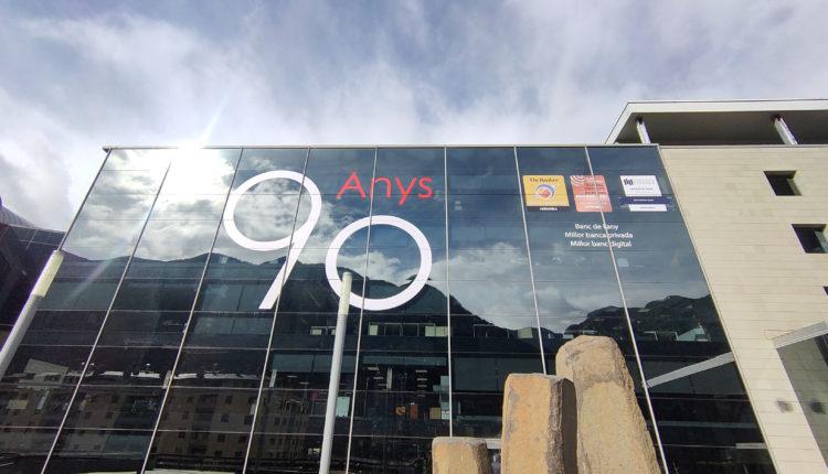 Façana de l'entitat financera Andbank Andorra